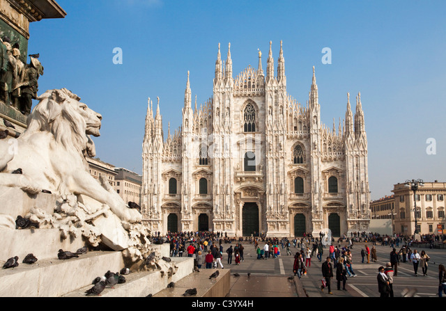Italy, Europe, Milano, Milan, cathedral, dome, church, place, lion, statue, tourist - Stock Image