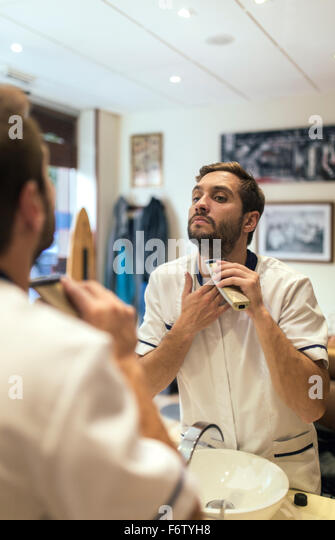 beard man and shaving stock photos beard man and shaving stock images alamy. Black Bedroom Furniture Sets. Home Design Ideas