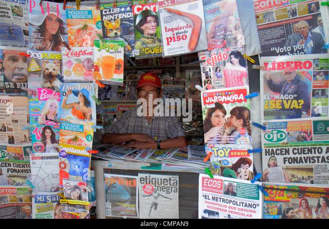 Peru Lima Barranco Avenida Pierola newsstand newspaper news media periodical Spanish language headline front page - Stock Image