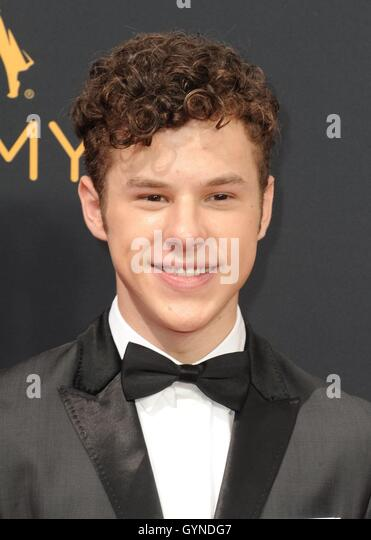 Los Angeles, CA, USA. 18th Sep, 2016. Nolan Gould at arrivals for The 68th Annual Primetime Emmy Awards 2016 - Arrivals - Stock-Bilder