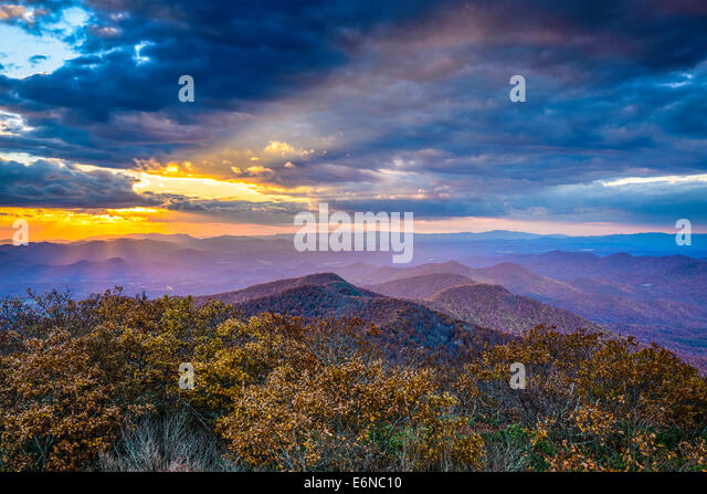 Blue Ridge Mountains in North Georgia, USA in the autumn season at sunset. - Stock Image