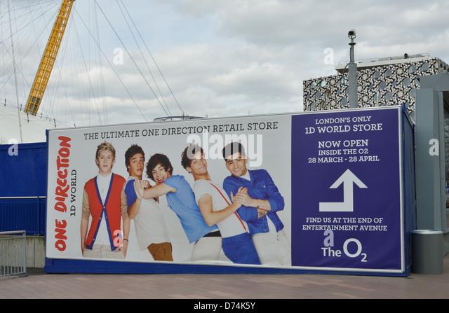 O2 One Direction Merchandising - Stock-Bilder