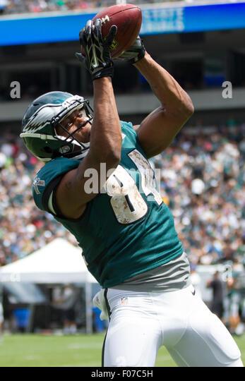 Philadelphia, Pennsylvania, USA. 9th Aug, 2015. Philadelphia Eagles wide receiver Mike Johnson (84) catches the - Stock Image
