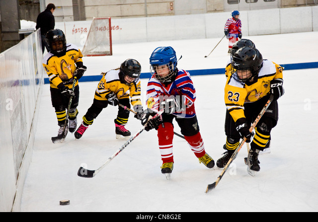 Switzerland, Canton Ticino, Sonogno, ice hockey - Stock Image