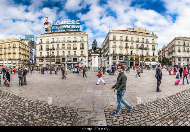Puerta del sol madrid stock photos puerta del sol for Sol plaza madrid