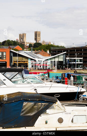 looking across Brayford Pool Marina to the quay and the cathedral beyond.Lincoln - Stock Image