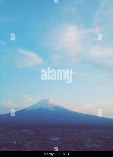 Mountain fuji in twilight. - Stock Image