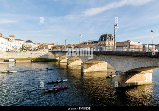 France, Charente, Jarnac, canoeing on the Charente - Stock Image