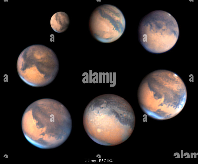 Changes in the size of Mars during its 2005-6 apparition - Stock Image