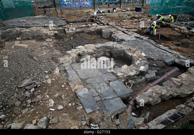 An archaeological dig under way in Potterrow, Edinburgh, Scotland, UK. - Stock Image