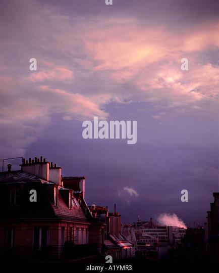 Typical Parisian scene with apartments design by baron Hausmann. - Stock-Bilder