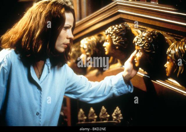 THE HAUNTING -1999 LILI TAYLOR - Stock-Bilder