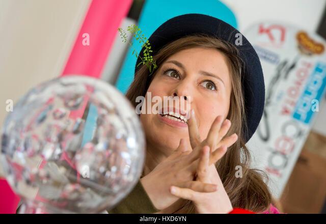 Prague, Czech Republic. 28th Mar, 2017. Czech snowboarder Eva Samkova shows her World Cup during a press conference - Stock-Bilder