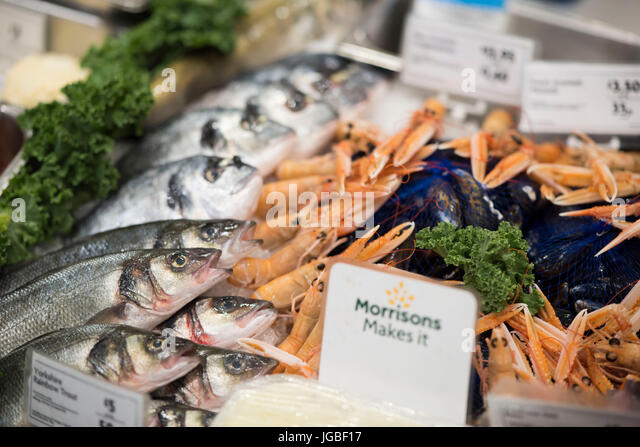 Supermarket fish display stock photos supermarket fish for Fresh fish store