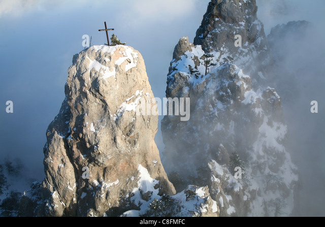 Snow-capped peaks of Mount Ai-Petri - Stock Image