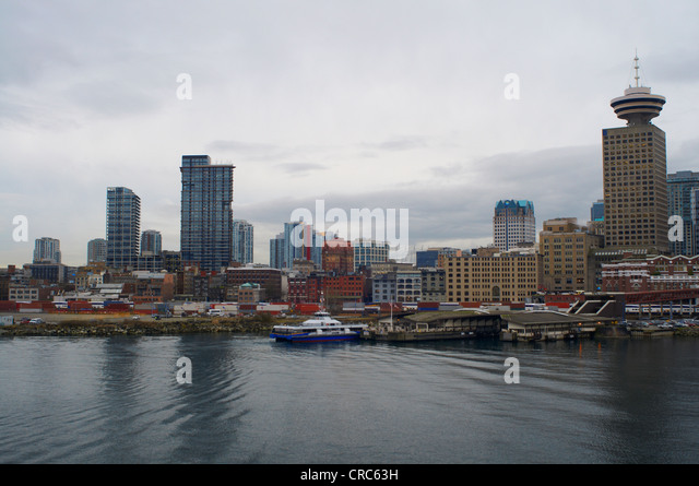 Vancouver city skyline on water - Stock Image