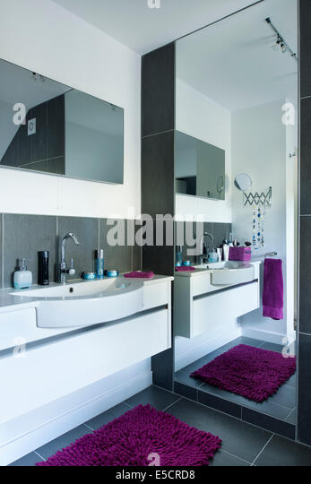 Full Length Mirror Bedroom Stock Photos Full Length Mirror Bedroom Stock Images Alamy