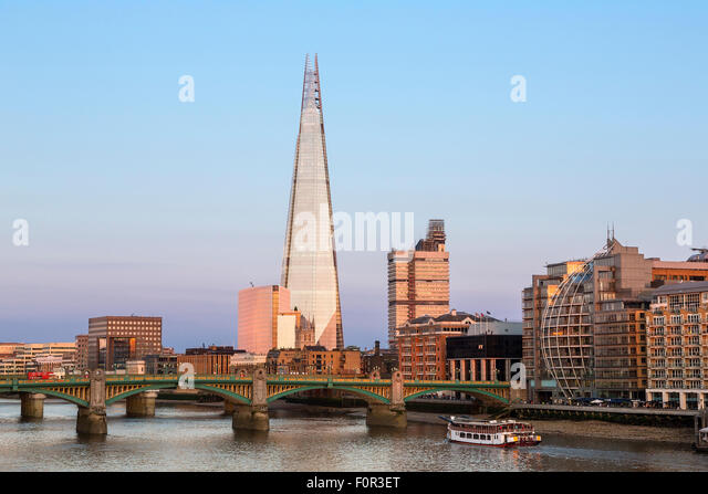 LOndon, Shard London Bridge at Sunset - Stock Image