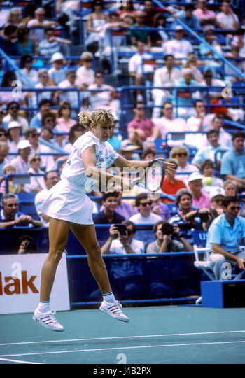 Steffi Graf (GER) competing at the 1998 US Open. - Stock-Bilder
