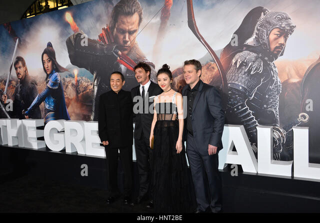 Los Angeles, USA. 15th February 2017. Director Yimou Zhang, actors Pedro Pascal, Jing Tian & Matt Damon at the - Stock-Bilder