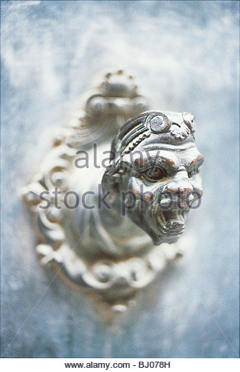Doorknocker on a house in Calle Lunga Santa Caterina, Cannaregio, Venice, Italy - Stock-Bilder