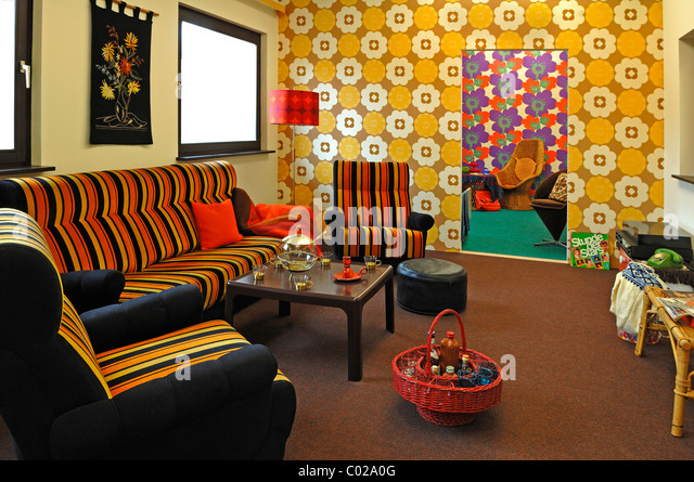 70s wallpaper living room stock photos 70s wallpaper for 70 s living room ideas