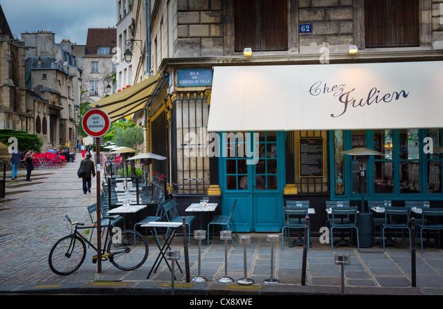 Bistro chair paris stock photos bistro chair paris stock for Paris restaurant jardin