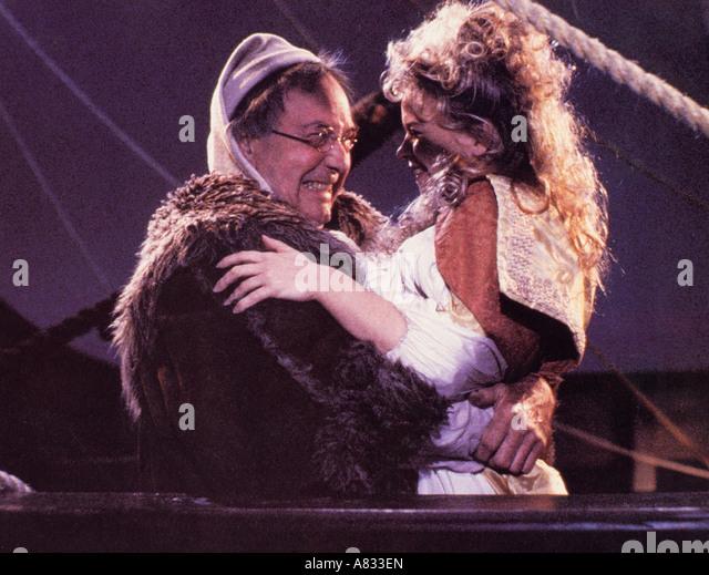 CARRY ON COLUMBUS - 1992 Island World film with Sara Crowe - Stock-Bilder