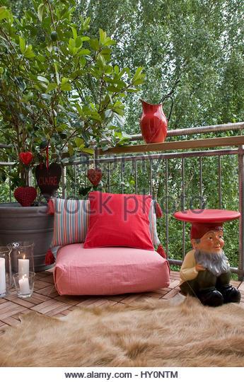 kissen stock photos kissen stock images alamy. Black Bedroom Furniture Sets. Home Design Ideas