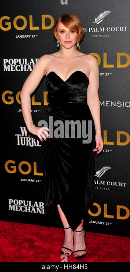 New York City, USA. 17th January, 2017. Bryce Dallas Howard seen at the World Premiere of 'Gold' at AMC - Stock-Bilder