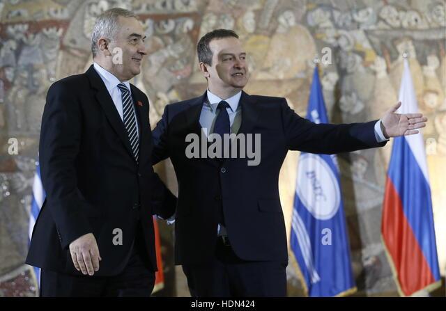 Belgrade, Serbia. 13th Dec, 2016. Romania's Foreign Minister Lazar Comanescu (L) and Serbia's Foreign Minister - Stock Image