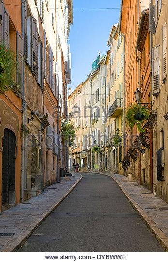 Buildings along Rue Amiral de Grasse, Grasse, Alpes-Maritimes, Provence-Alpes-Côte d'Azur, France - Stock Image
