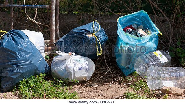 Rubbish road collecting stock photos rubbish road collecting stock images alamy - Rd rubbish bin ...