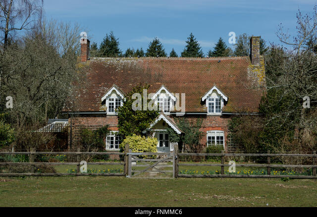 New Forest Cottage Stock Photos & New Forest Cottage Stock ...