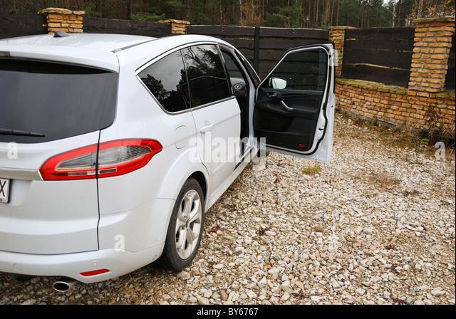 Ford S-MAX 2.0T EcoBoost PowerShift - MY 2006 (FL 2010) - white pearl metallic - five doors (5D) - Popular German - Stock Image