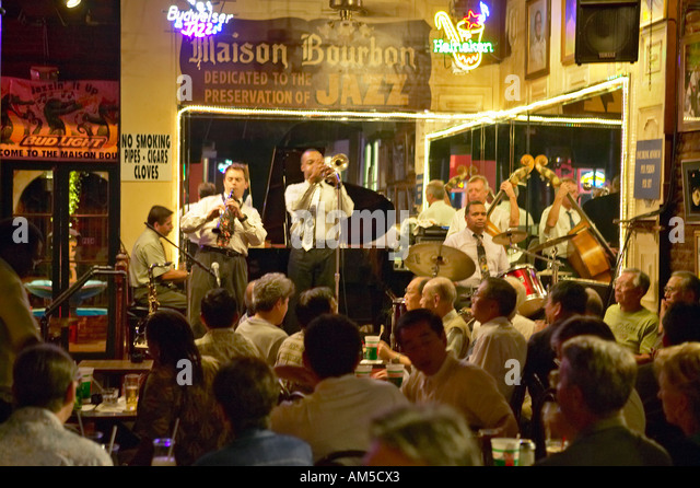 Dixieland jazz band stock photos dixieland jazz band for Bar maison torino