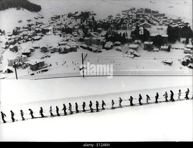 Feb. 02, 1986 - Longest queue on ski: 450 skiers from Switzerland and guests from all over the world built the world - Stock Image