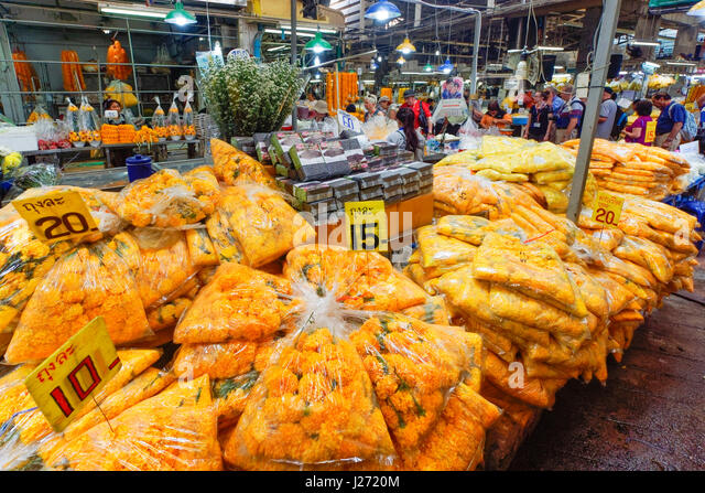 Pak Khlong Talat , Flower Market, Marigold for offering in temple,  Banglamphu - Stock Image