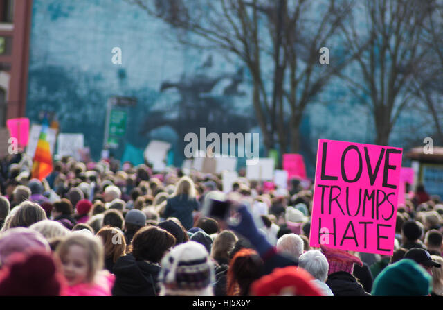 Women's March in Victoria BC on first day of Trump presidency - Stock-Bilder