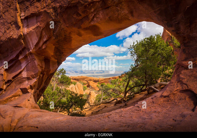 Double O Arch in Arches National Park, a US National Park in eastern Utah. - Stock-Bilder