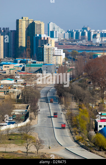 City apartment buildings, Pyongyang, Democratic People's Republic of Korea (DPRK), North Korea, Asia - Stock-Bilder