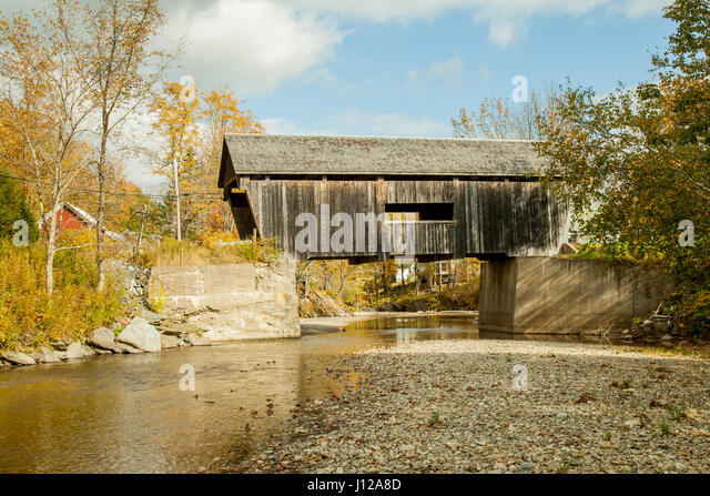 Wooden covers bridge in New England, Vermont, USA - Stock Image