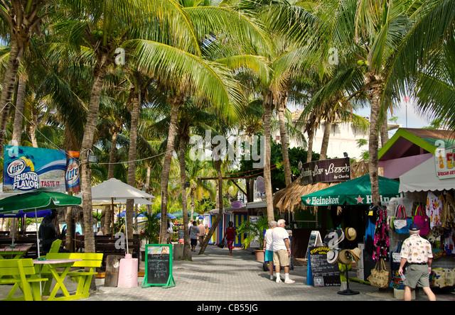 St Maarten Philipsburg Front Street tourists shopping - Stock Image