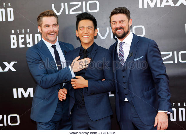 "Actors Chris Pine (L), John Cho (C) and Karl Urban arrive for the world premiere of ""Star Trek Beyond"" - Stock Image"