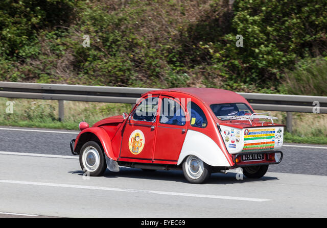 vintage citroen 2cv stock photos  u0026 vintage citroen 2cv