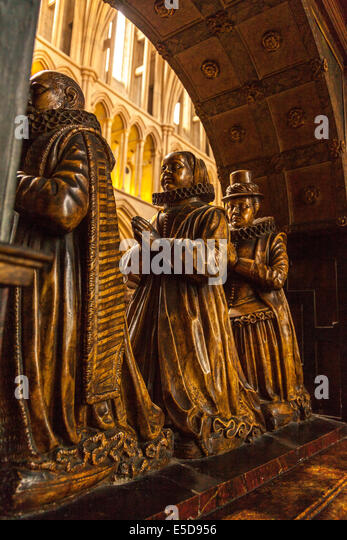 The Humble Monument portrays Alderman Richard Humble and his two wives, Elizabeth and Isabel. Southwark Cathedral,London,England - Stock Image