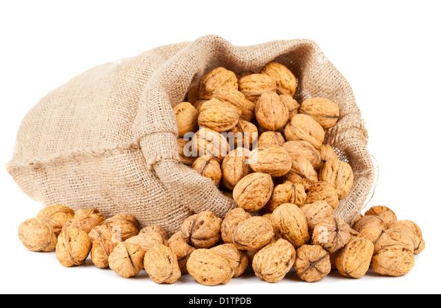 how to clean fresh black walnuts