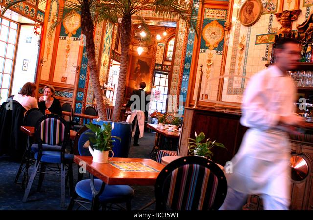 La cigale stock photos la cigale stock images alamy for Stage cuisine nantes