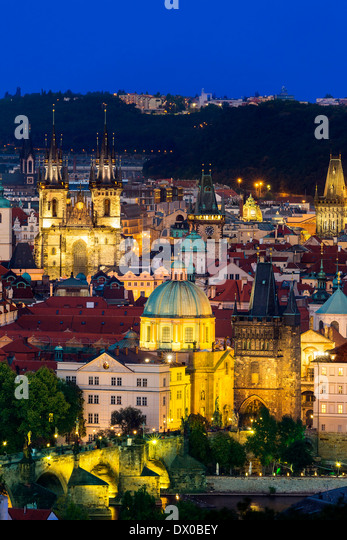 Czech Republic, Skyline of Prague at Dusk - Stock-Bilder