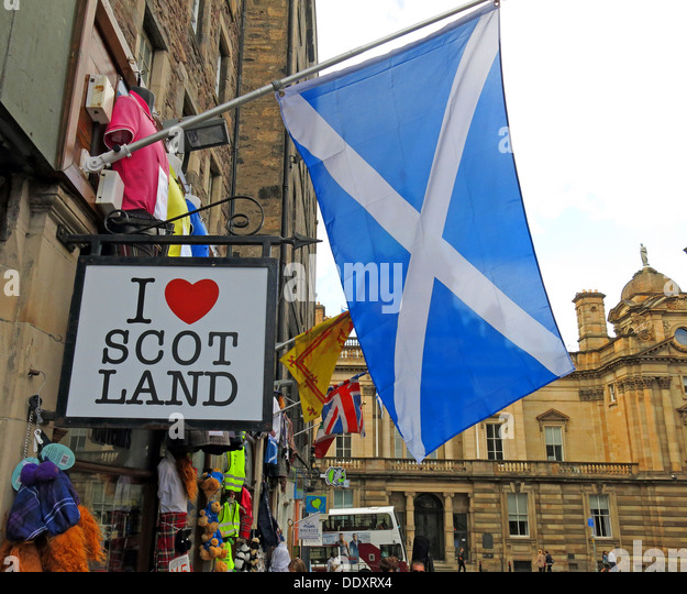 I love Scot Land shop Edinburgh Scotland UK with Scottish flag the solitaire white cross on blue background - Stock Image